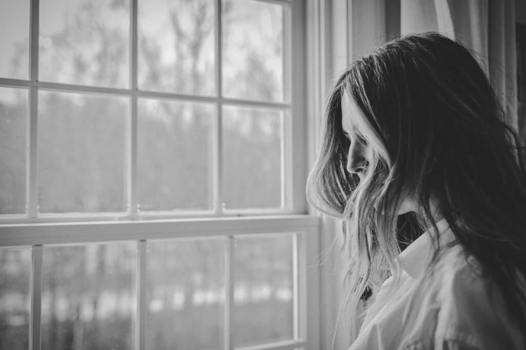 自律神経 憂鬱な女性