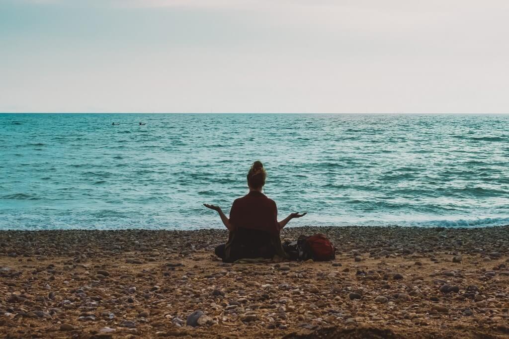 ビーチ瞑想